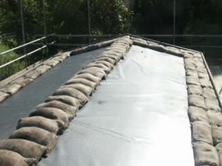 Roof with liner